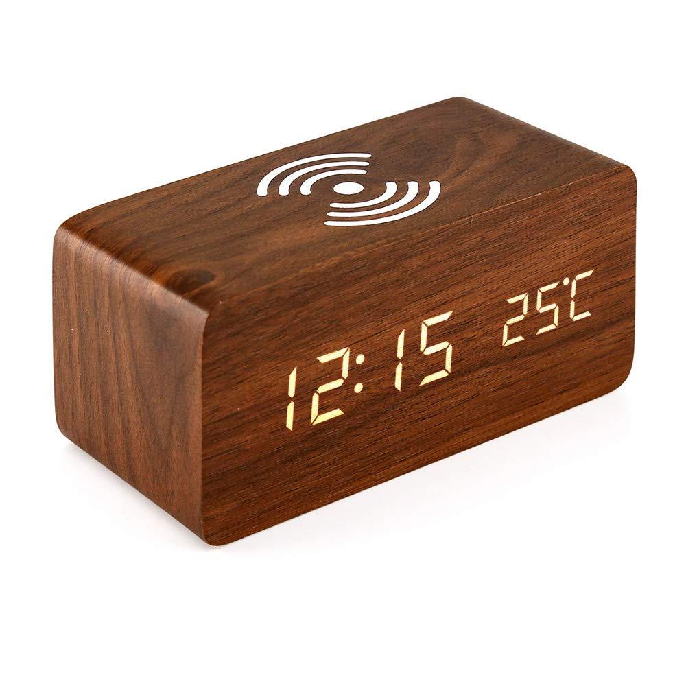 Cargador y reloj de mesa
